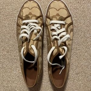 New sz 11 Gold Coach sneakers